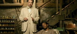still-of-tom-hanks-and-marlon-wayans-in-the-ladykillers